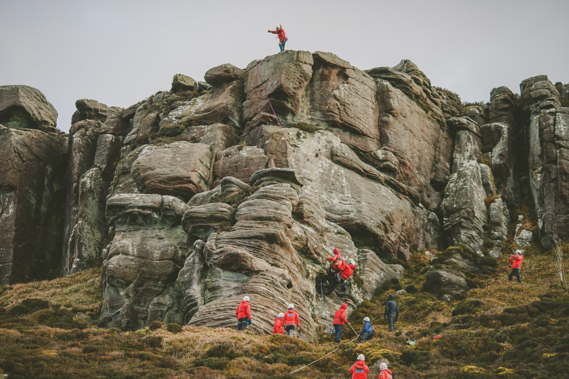 mountain rescue on location at simonside